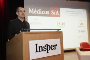 """""""O Médicos S/A é a materialização do nosso desejo em contribuir com a valorização da carreira médica e com o protagonismo que a medicina sempre exerceu na história do empreendedorismo médico nesse país"""", declarou Braga em seu discurso"""